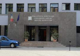 Doi scriitori îşi lansează cele mai recente cărţi, vineri, la Biblioteca Județeană din Oradea