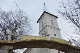 În plata Domnului: Consiliul Local din Copăcel a scos ultimii bani de la investiții ca să-i dea… bisericilor