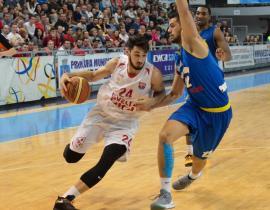 La numai 21 de ani, Bobe Nicolescu a ajuns căpitanul echipei naţionale de baschet