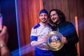 Bravo, chef! La 21 de ani, orădeanul Bogdan Vandici este marele câștigător al emisiunii 'Chefi la cuțite' (FOTO)