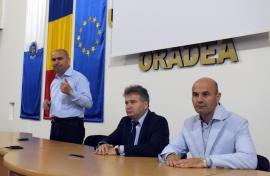 Bolojan, explicaţii în şedinţa Senatului Universitar: Curilă amână decizia pe tema căminului pe care Primăria Oradea vrea să-l construiască în campus