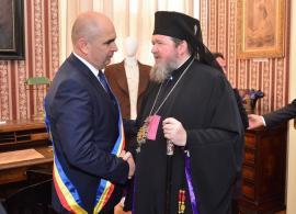 """Târg Bolojan & Sofronie: De ce a acceptat primarul Oradiei să """"planteze"""" o biserică în Cartierul Tineretului"""
