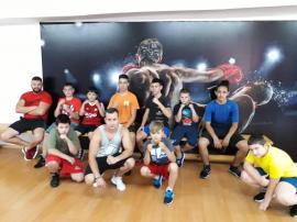 Pugilişti în pandemie: Sportivii de la Gym Mar Strong se antrenează în sală, respectând normele de distanţare (VIDEO)
