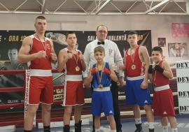 Cinci victorii pentru pugiliştii de la Gym Mar Strong Oradea la Cupa Prieteniei de la Arad