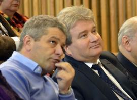 Bodog rămâne şef: Universitatea Oradea nu ia nicio măsură faţă de prodecanul de la FMF. În schimb, doctoranzii lui riscă să piardă cercetările făcute până acum