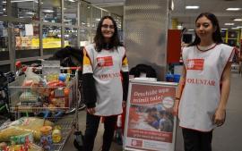 Voluntarii Caritas Eparhial au strâns sute de kilograme de alimente (FOTO)