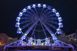 Târgul de Crăciun din Oradea: Roata carusel nu va primi încă 'pasageri'