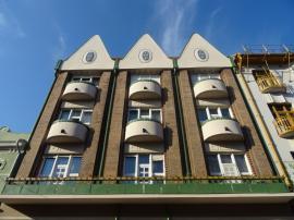 Încă una! Lucrările de reabilitare a casei Róth din strada Vasile Alecsandri au fost finalizate (FOTO)