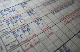 Catalog şcolar online, în toate şcolile! Părinţii vor putea controla notele şi absenţele copiilor pe internet