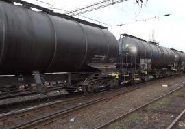 Hoții de combustibil au dat iar lovitura! Două vagoane de motorină, găsite goale într-o gară din Bihor