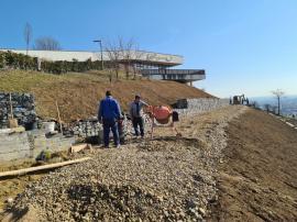Un proces... alunecos: Primăria Oradea a cerut tardiv despăgubirile pentru alunecarea dealului Ciuperca