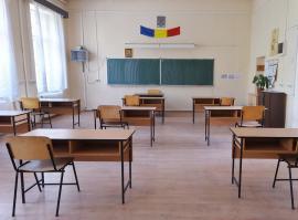 Mai puţini: Ministerul Educaţiei reduce la 26 numărul de elevi din clasele de liceu