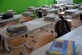 Ministerul Educaţiei: Şcolile să anuleze activităţile care implică deplasări în străinătate şi să limiteze activităţile colective