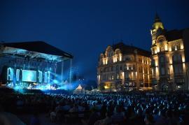 De frica virusului: Primăria Oradea anulează concertul Nagyferó és a Beatrice, iar CSM nu mai vinde bilete la meci