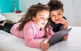 Program online pentru copii: spectacole, interviuri, poveşti şi tutoriale publicate pe Facebook de Teatrul Arcadia
