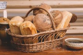 """""""Oradea donează o pâine"""": 150 de pâini, pregătite pentru orădeni"""