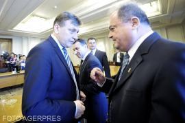Vasile Blaga şi Crin Antonescu s-au înscris în cursa din PNL pentru europarlamentare