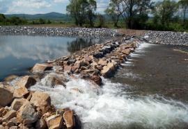 Ministrul Apelor, promisiuni gârlă: Deneş se laudă cu investiţii record, dar nu închide şantierele vechi de peste 30 de ani din Bihor