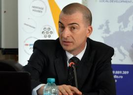 Masonul şi beşinoşii: Discurs pestriț al city-managerului Dacian Palladi pentru câțiva profesori din Oradea (VIDEO)