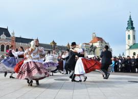 Zilele Culturii Maghiare: Un weekend cu csárdás şi operete în Cetatea Oradea