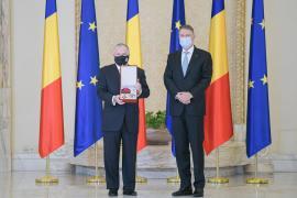 Ambasadorul SUA în România, Adrian Zuckerman, a fost decorat de preşedintele Klaus Iohannis cu Ordinul Naţional 'Steaua României'