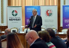 Ardeleni de ambele etnii s-au adunat să se întrebe: Pregătirile pentru Centenar, şansă sau pericol în relaţiile româno-maghiare? (FOTO)