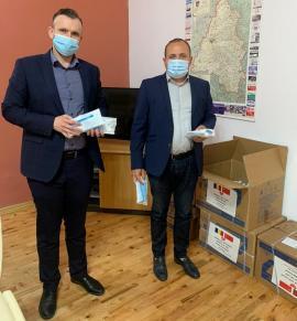 20.000 măşti de protecţie oferite bihorenilor de Camera de Comerţ şi Industrie România-China, prin intermediul Consiliului Judeţean