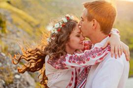 Sărbătoarea iubirii la români. Tradiţia spune că fetele care nu sunt sărutate de Dragobete vor fi singure tot anul