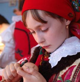 Muzeul Ţării Crişurilor invită bihorenii la un atelier de încondeiat ouă