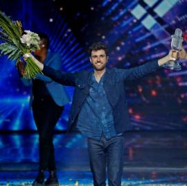 Simplu şi de efect. Un tânăr de 25 de ani a câştigat Eurovision, cu o piesă de dragoste. Îţi place? (VIDEO)