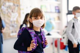 Încurajator: A scăzut simţitor numărul elevilor şi profesorilor din Bihor bolnavi de Covid-19