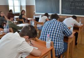 Cum percep şcoala şi viitorul lor elevii liceelor tehnice din Bihor