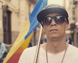 'Îmi pare rău, tati, au furat şi votul meu!'. Un orădean din Spania cântă despre românii care nu au putut vota în Diaspora (VIDEO)