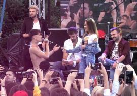 Dansatorul orădean Emil Rengle, sărut pasional pe scenă: Ne căsătorim? (FOTO / VIDEO)