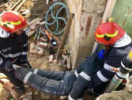 Scenariu de urgenţă, la Marghita: Incendiu urmat de explozie, victime prinse sub dărâmături (FOTO)