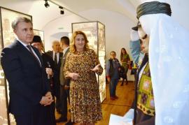 100 de ani de la vizita regală în Oradea: Expoziţiile dedicate Regelui Ferdinand şi Reginei Maria au fost vernisate în prezenţa Principelui Radu, cu imnul regal (FOTO / VIDEO)