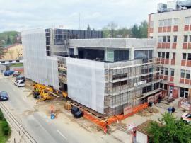 Au ridicat clădirea. Extinderea Unităţii de Primiri Urgenţe de la Spitalul Judeţean a fost realizată în proporţie de 65% (FOTO)