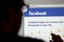 Facebook, Whatsapp și Instagram au picat în România