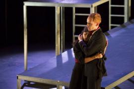 Premieră naţională: Spectacolul 'Familia Schroffenstein' la Teatrul Szigligeti