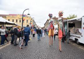 Oradea FestiFall închide în serile de weekend traficul auto în tot centrul oraşului