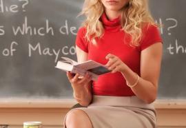 Profesoară reţinută de poliţişti fiindcă a făcut sex de trei ori cu un elev de 14 ani!