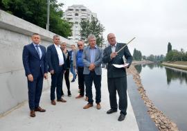 Finalizare în avans: Ministrul Apelor a inspectat lucrările pentru consolidarea malului Crişului în Oradea, încheiate de Repcon cu două luni mai devreme (FOTO)