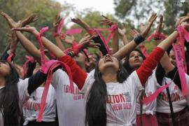 'One Billion Rising': Orădencele sunt invitate la un flash mob împotriva violenţei domestice
