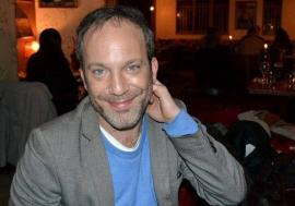 Un actor din celebrul serial Wolfblood a leşinat pe Aeroportul Oradea!