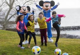 Micuțele cu vârste între 5 și 8 ani din Bihor, invitate la 'Playmakers', un program de fotbal feminin gratuit lansat de UEFA și Disney (VIDEO)