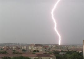 Meteorologii anunţă cod galben de furtună în Bihor