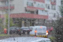 Revin furtunile în Bihor: Avertizări de tip cod galben de ploi torențiale și căderi de grindină
