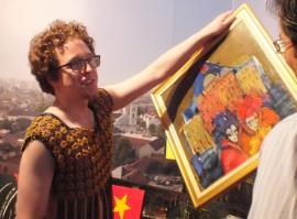 Muian la Episcopie: Controversatul artist Gabriel Miloia îşi lansează noua expoziţie la Episcopia Greco Catolică