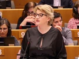 Specialiştii PSD-ului: Comisarului european de rezervă, Gabriela Ciot, acuzată de plagiat. A fost preparator la Universitatea din Oradea!