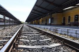 CFR: Pornesc trenurile InterRegio pe relaţia Oradea – Cluj-Napoca. Urmează şi 'trenul soarelui' spre litoral
